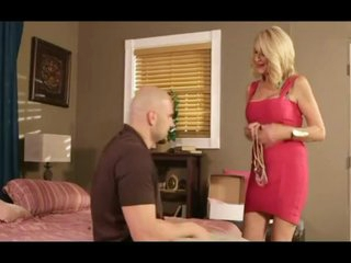 Hot gilf gets creampied by a younger guy