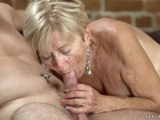 Horny granny with saggy tits, Malya has hooked up with Rob and had sex with him