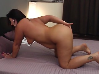 Mature big ass mom with hungry ass and pussy